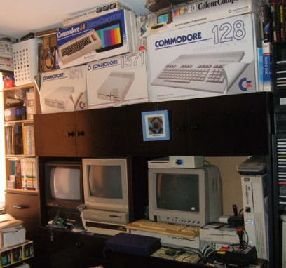 Commodore Store...
